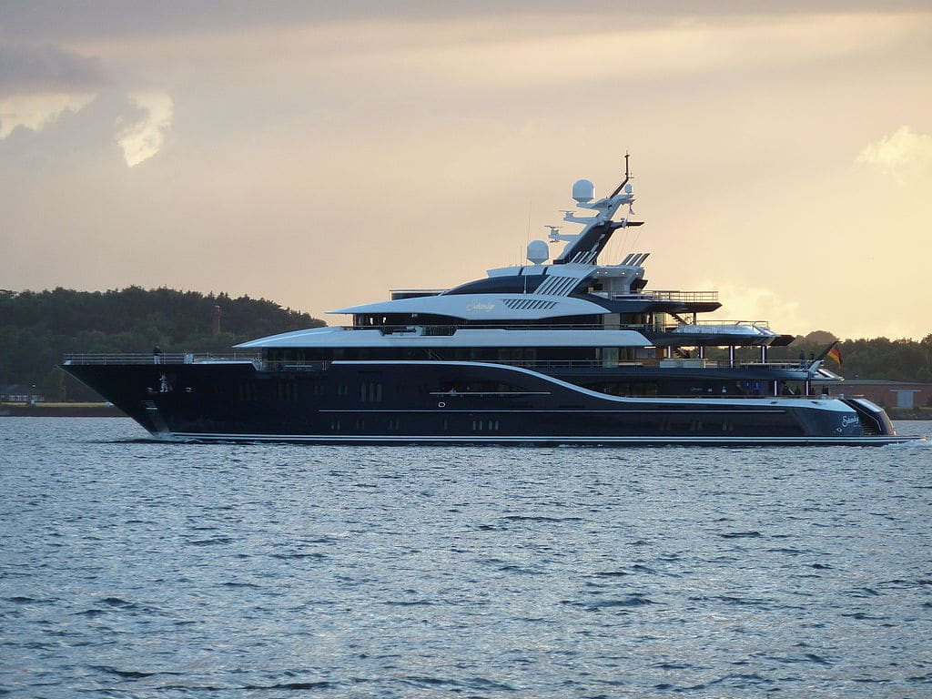suleyman kerimov and his superyacht ice club yacht. Black Bedroom Furniture Sets. Home Design Ideas