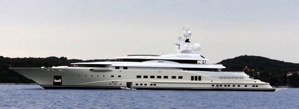 Yacht_Pelorus_in_Croatia.jpg